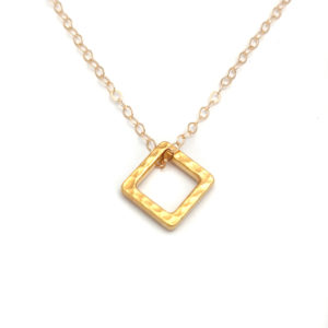GF Hammered Ring Square Necklace